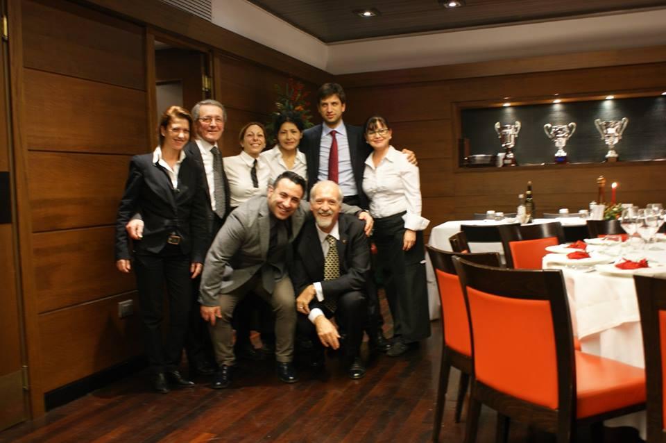 L'avv. Romolo Reboa e Massimo Reboa con lo chef del Circolo Canottieri Roma Egidio Longo ed il suo staff