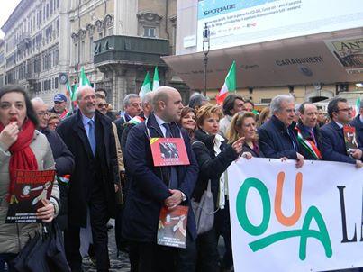 L'avv. Romolo Reboa con i rappresentanti OUA alla manifestazione nazionale dell'Avvocatura