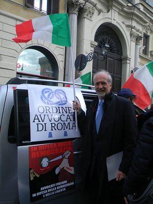 L'avv. Romolo Reboa alla manifestazione dell'Avvocatura contro la riforma della giustizia